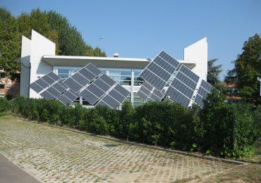 Panel fotowoltaiczny, a kolektor solarny